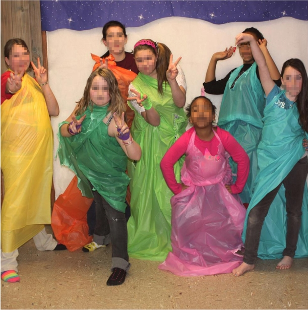 Pre-Teen Girls During 'Tablecloth' Fashion Show